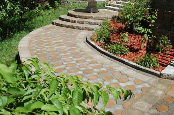 Step up edgers river bend kansas city 39 s decorative for Landscaping rocks in kansas city
