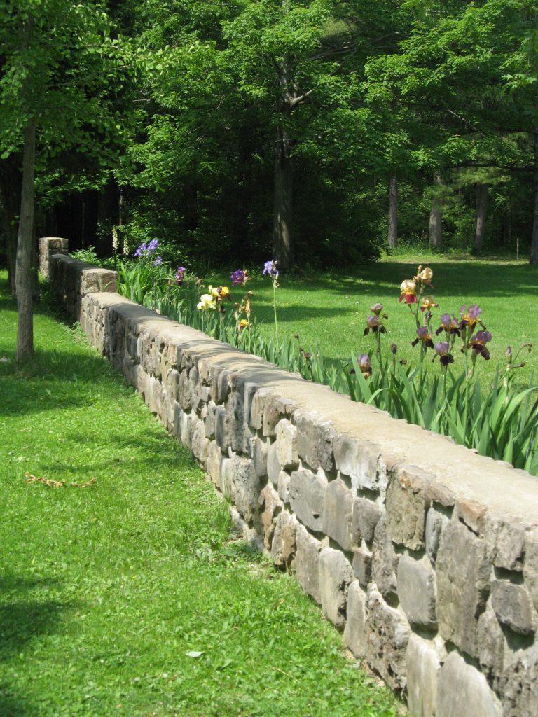 Stone Garden Walls | River Bend – Kansas City\'s Decorative Rock ...